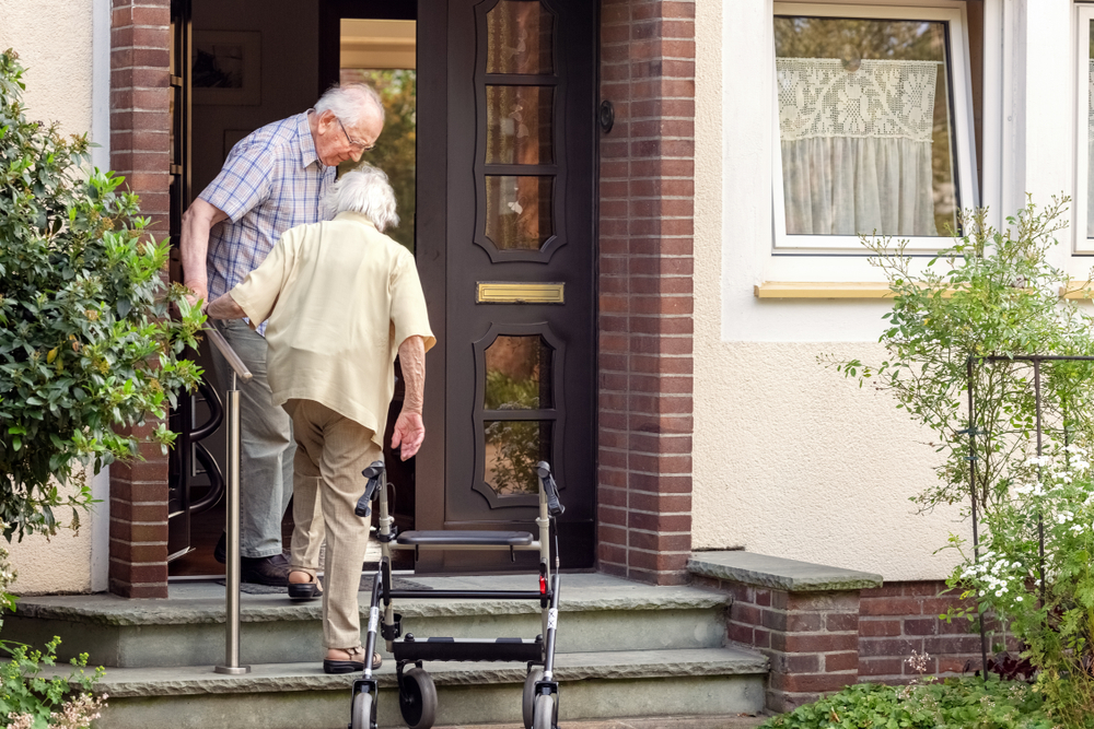 Is It a Good Idea to Bring Your Parent Home from the Nursing Home During the Coronavirus Pandemic?